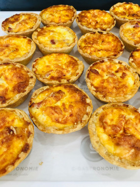 PLATEAU MINI QUICHES 24 PIECES
